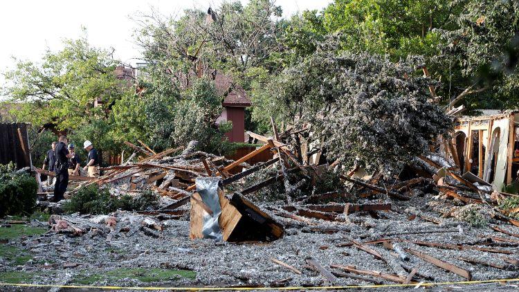어제 오후 플래이노에서 주택이 폭발해 6명이 부상을 입었다. (사진 출처: 달라스 모닝뉴스)
