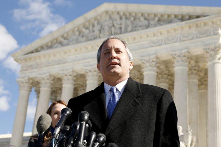켄 팩스턴 텍사스 법무장관이 애봇 주지사의 마스크 의무 착용 금지 명령을 어긴 교육구들을 고소할 것이라고 밝혔다. (사진 출처: NBCNews)