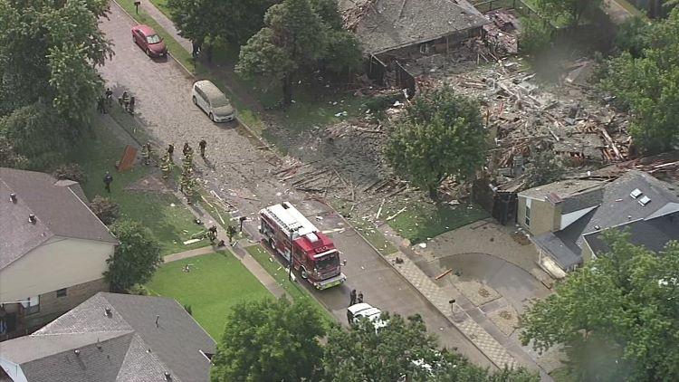 플래이노 주택 폭발 사고 원인이 개스 누출일 가능성이 있는 것으로 알려졌다. (사진 출처: NBC5)