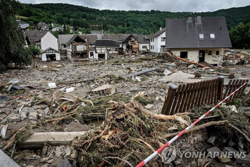 폭우·홍수 휩쓸고 간 독일 슐트 지역 주택가