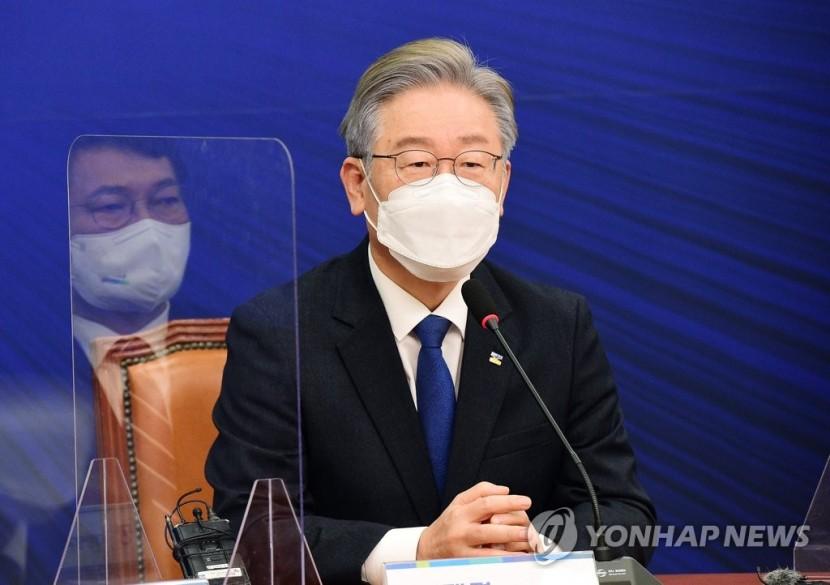 당대표-상임고문단 간담회에서 인사말하는 민주당 이재명 대선 후보